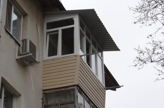 сайдинг балкона на последнем этаже Ульяновск